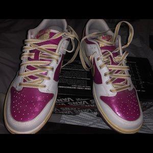 Nike dunks youth sz 6